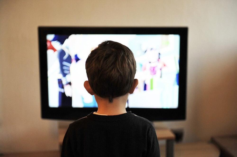 Come TV e Web insegnano la maleducazione ai nostri figli